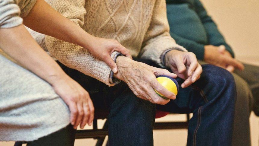 最新研究老人要健康不只運動, 需要「與人互動」亦有益體能